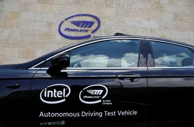 Intel тоже считает, что роботизированные такси появятся раньше клиентских робомобилей