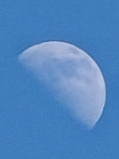 Съёмка Луны на смартфон в ясный день? Samsung Galaxy S20 Ultra позволяет и такое
