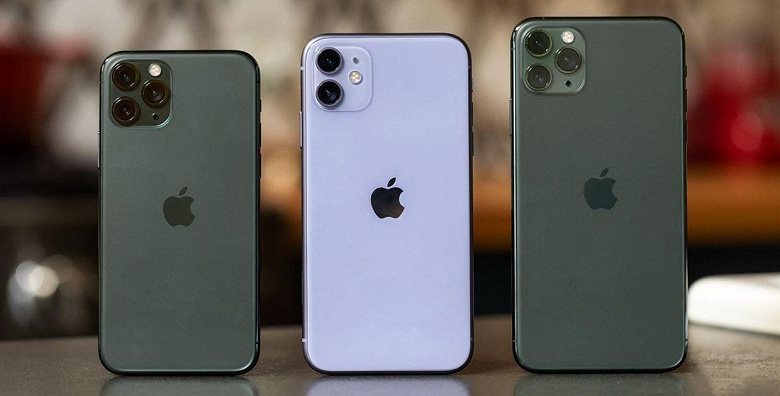 Впервые за год продажи iPhone выросли