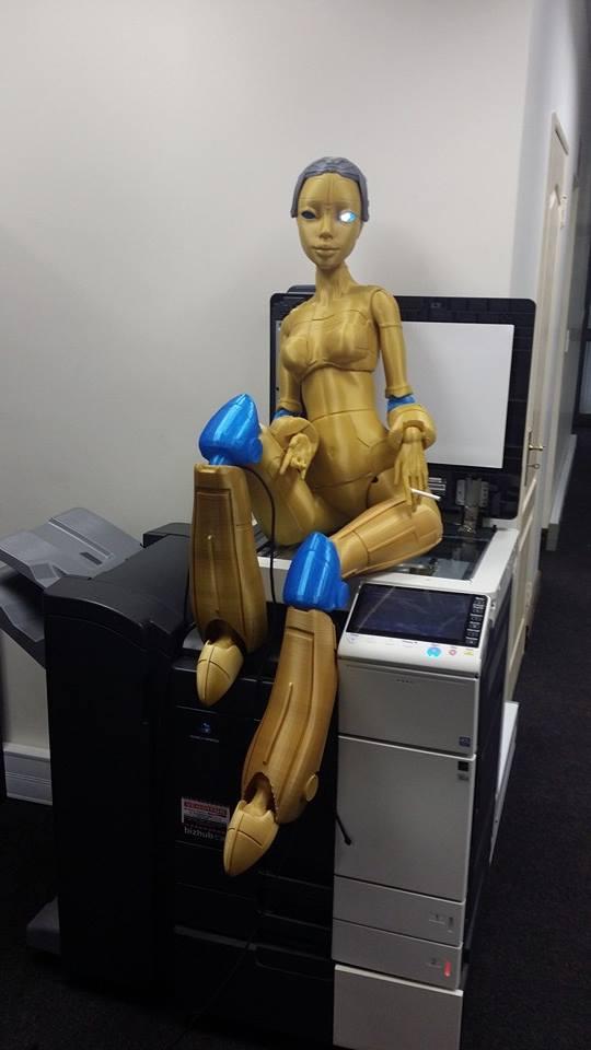 Роботика — 3D-печатная кукла ростом с человека - 3