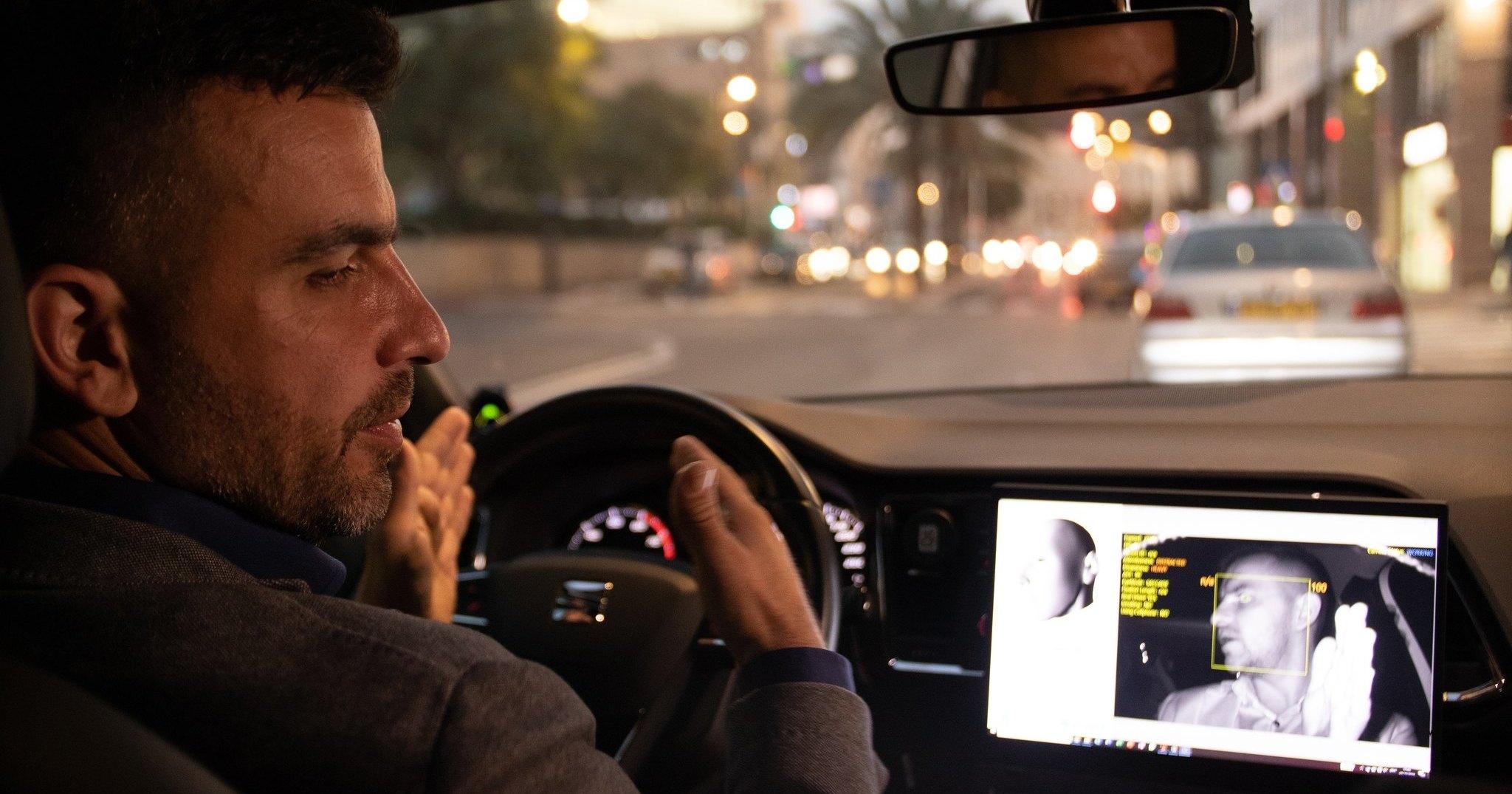 Искусственный интеллект проследит за усталостью водителей