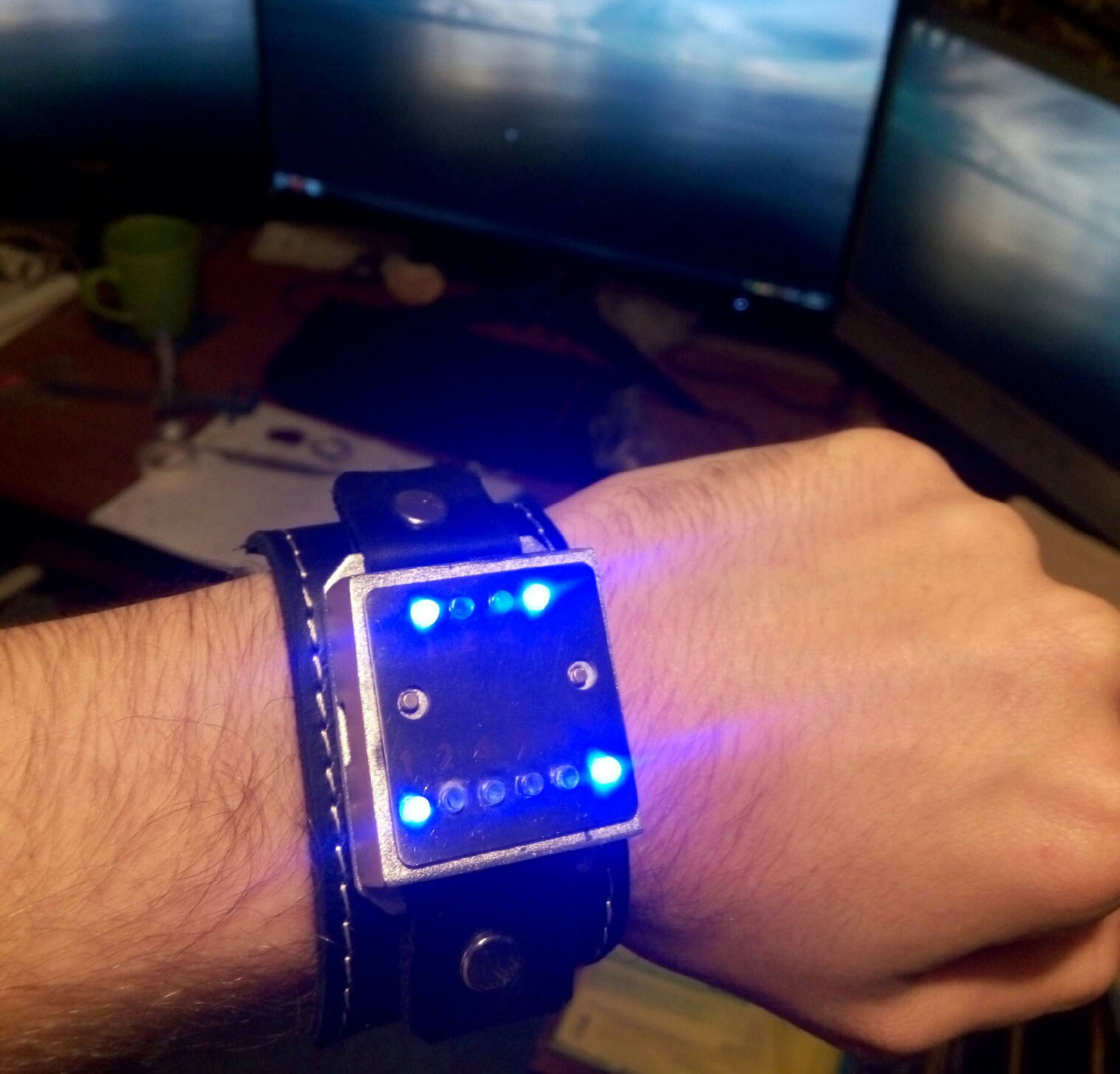 Бинарные часы «Cyber Watch» - 1