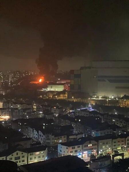 У Samsung в воскресенье тушили пожар на заводе в Южной Корее