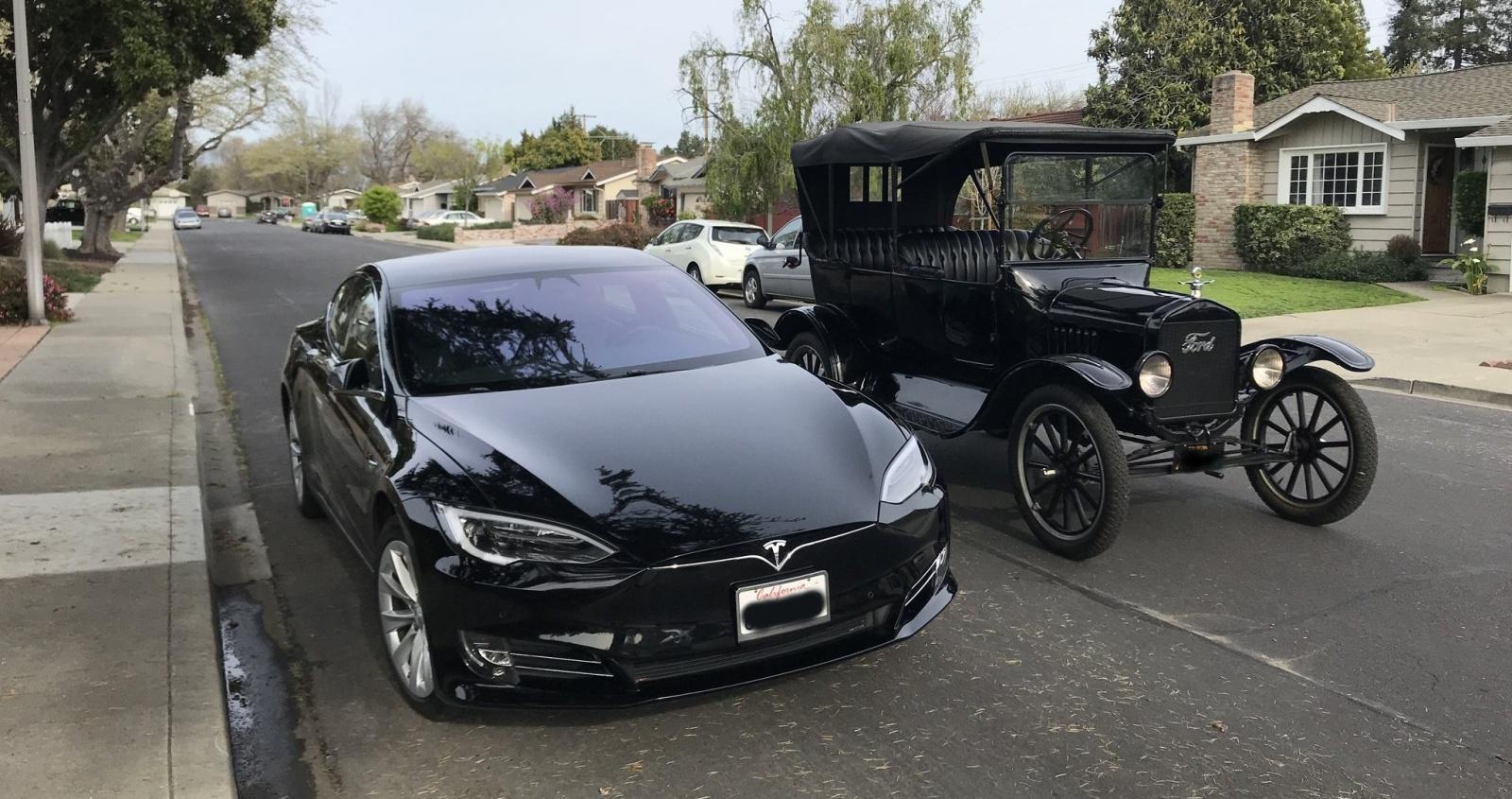 Tesla выпустила миллионный электромобиль - 4