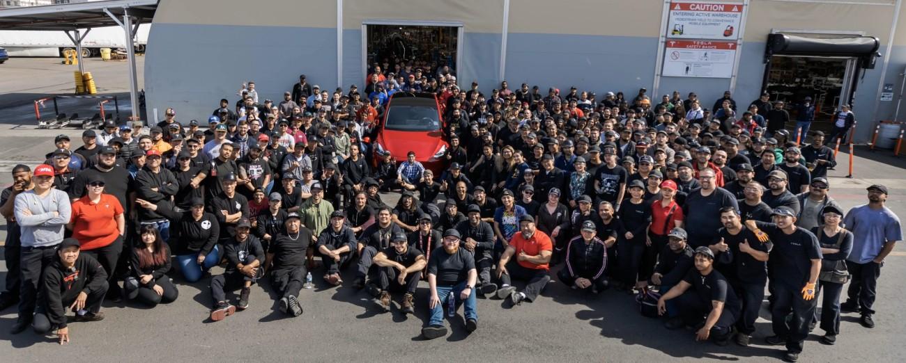 Tesla выпустила миллионный электромобиль - 1