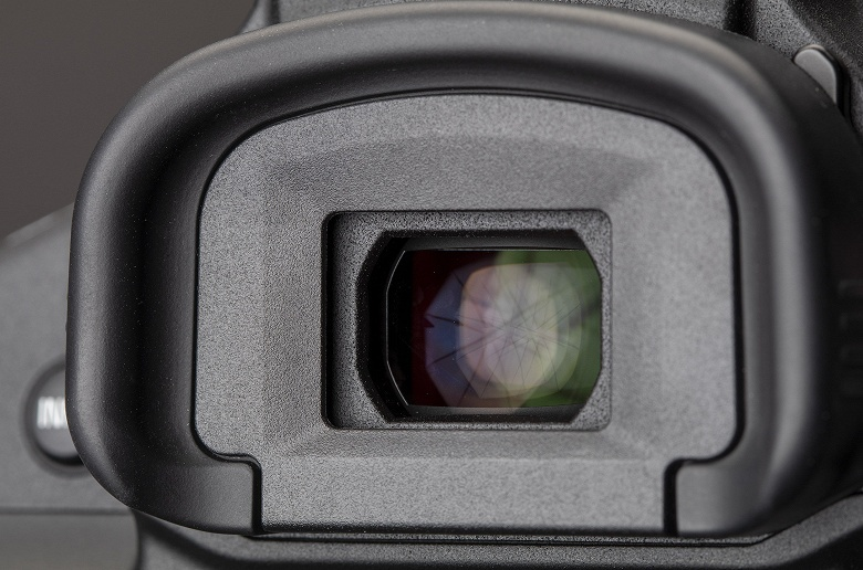 Серийная съемка может вызвать зависание и перезагрузку камеры Canon 1D X Mark III