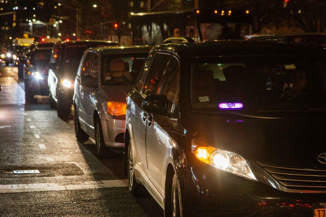 Утопия вызова автомобиля через мобильное приложение застряла в пробках - 5