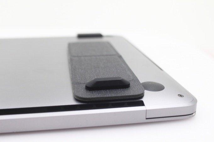 Складная подставка NinjaStand для ноутбука весит всего 50 г