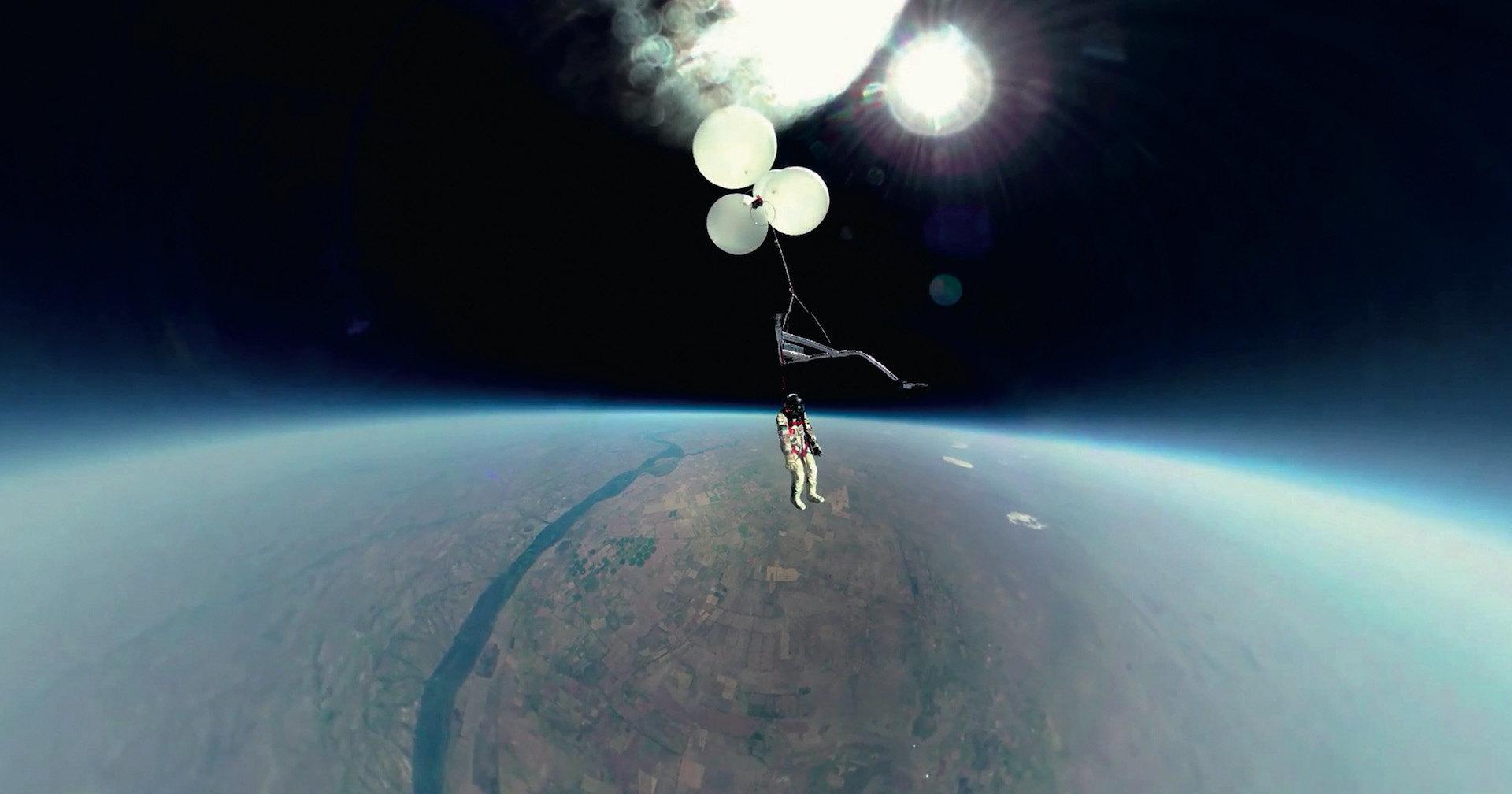 Стратосферный турист: как поднять человека на десятки километров вверх