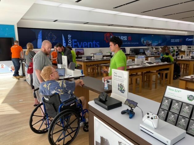 Microsoft закрывает розничные магазины по всему миру из-за вспышки коронавируса