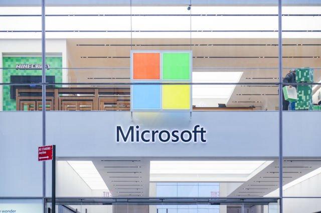 Сотрудники магазинов Microsoft будут получать зарплату, не работая