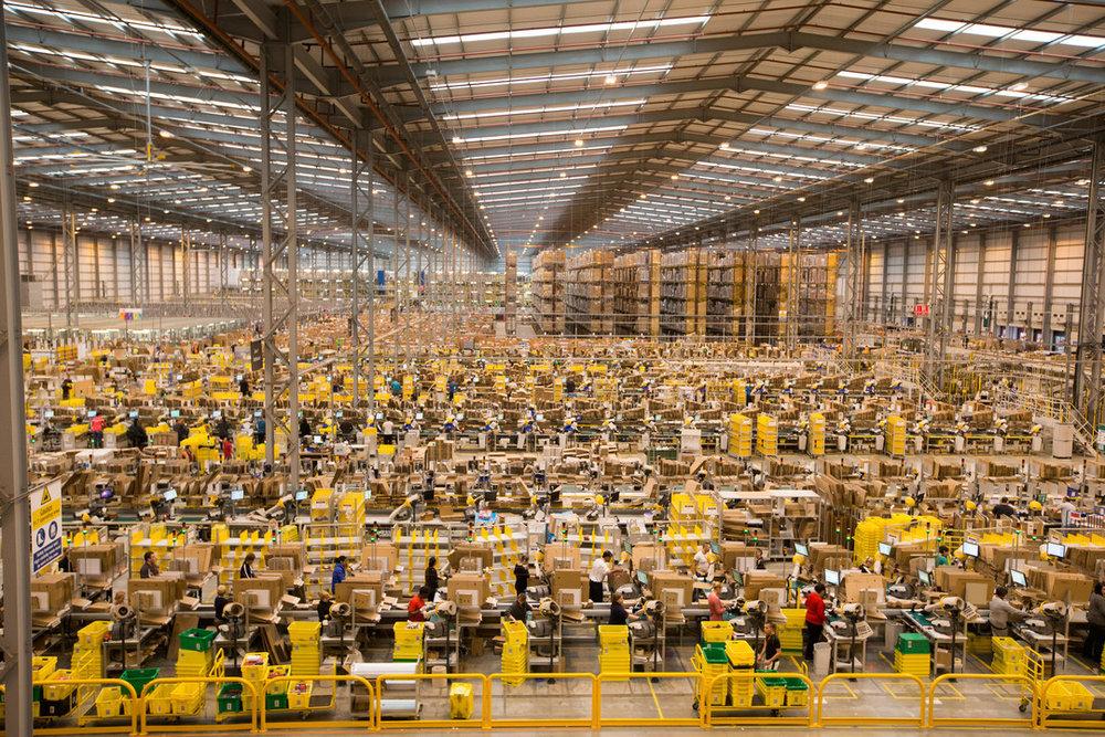 Рабочие на складах Amazon бьют тревогу из-за распространения коронавируса - 2