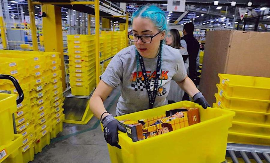 Рабочие на складах Amazon бьют тревогу из-за распространения коронавируса - 4