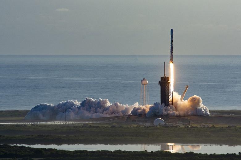 Ракета SpaceX Falcon 9 вывела на орбиту еще 60 спутников Starlink