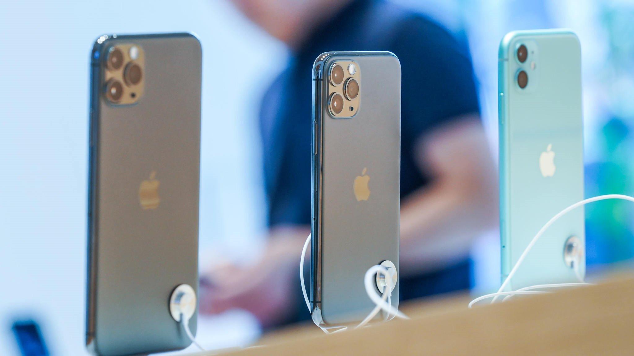 Apple ограничила онлайн-продажи iPhone двумя экземплярами одной модели на человека - 1