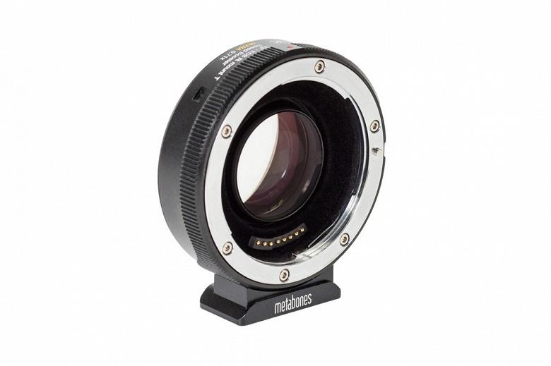 Переходник Metabones EF-RF Speed Booster Ultra 0.71x адресован тем, кто снимает видео 4К с помощью камер Canon EOS R