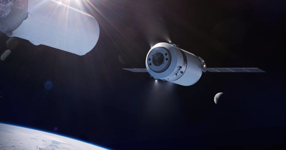 SpaceX будет доставлять грузы на окололунную станцию