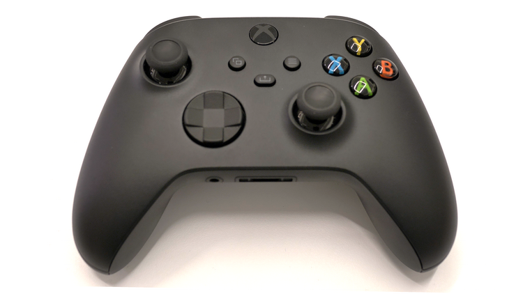 Microsoft объяснила, почему в геймпаде Xbox Series X всё ещё используются батарейки