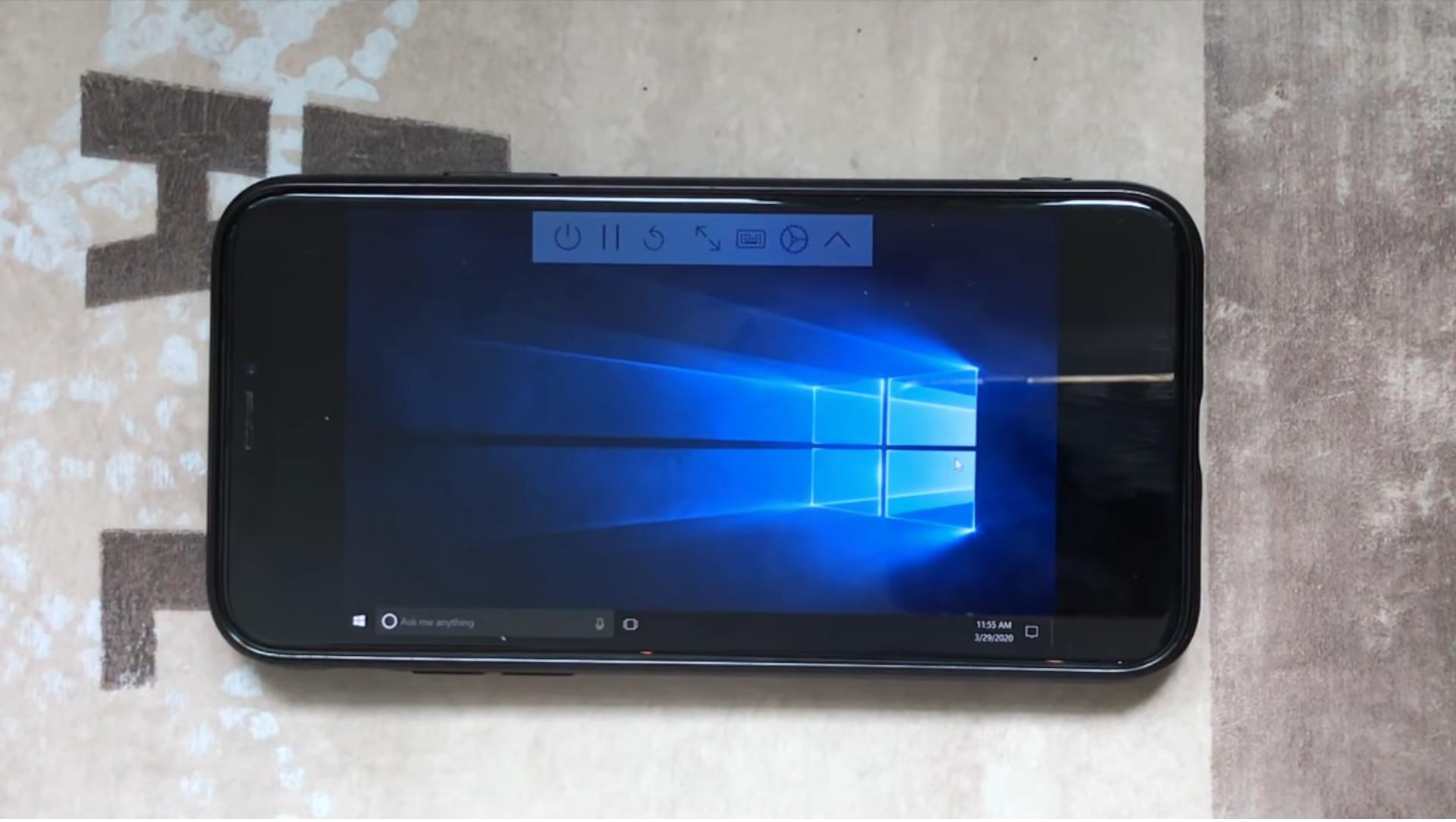 На iPhone X запустили Windows 10 под виртуальной машиной - 1