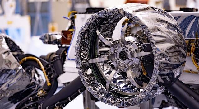 Марсоход Perseverance оснастили колёсами