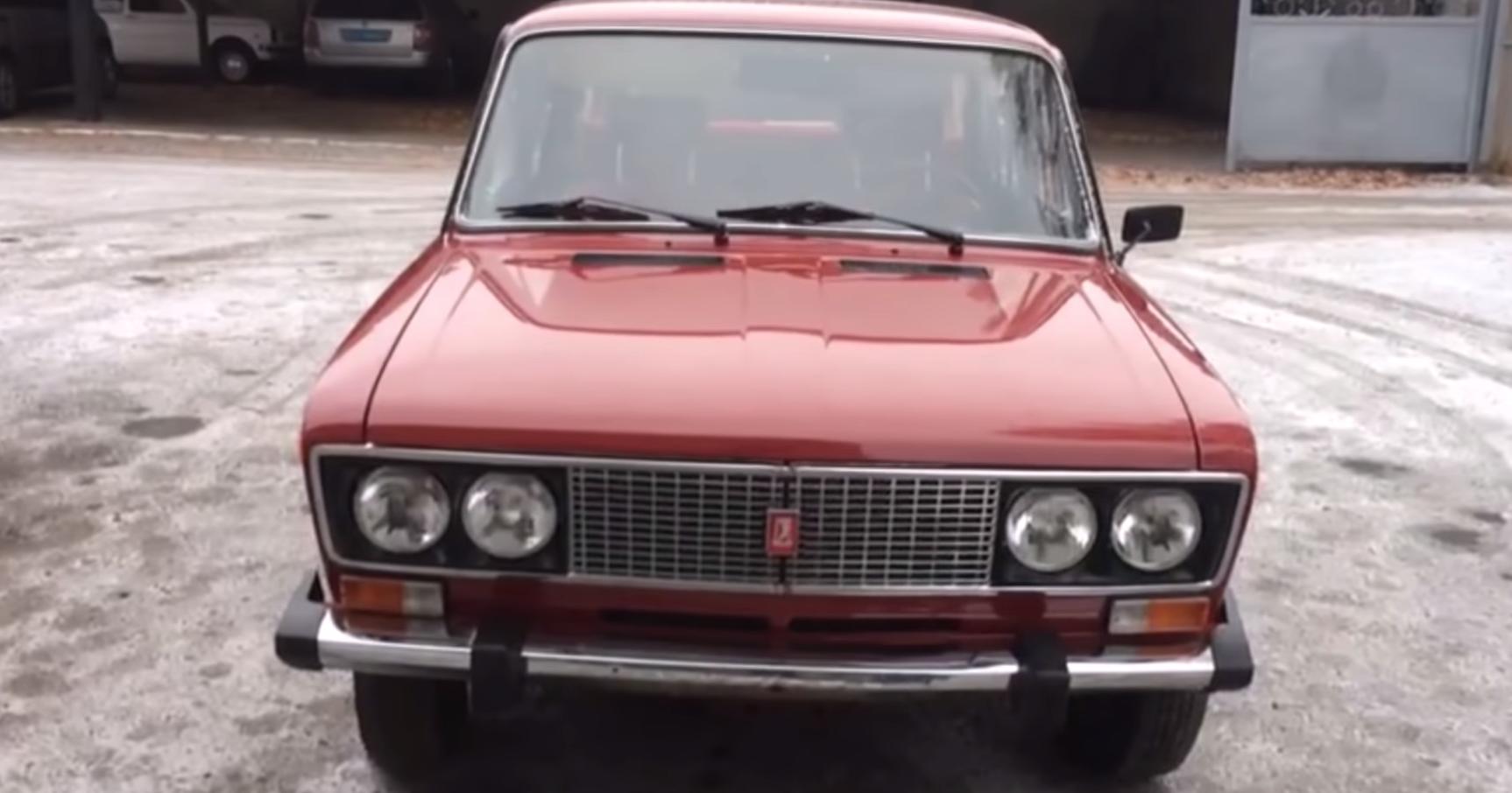 Посмотрите на редкий вишневый ВАЗ-2106 с красным салоном