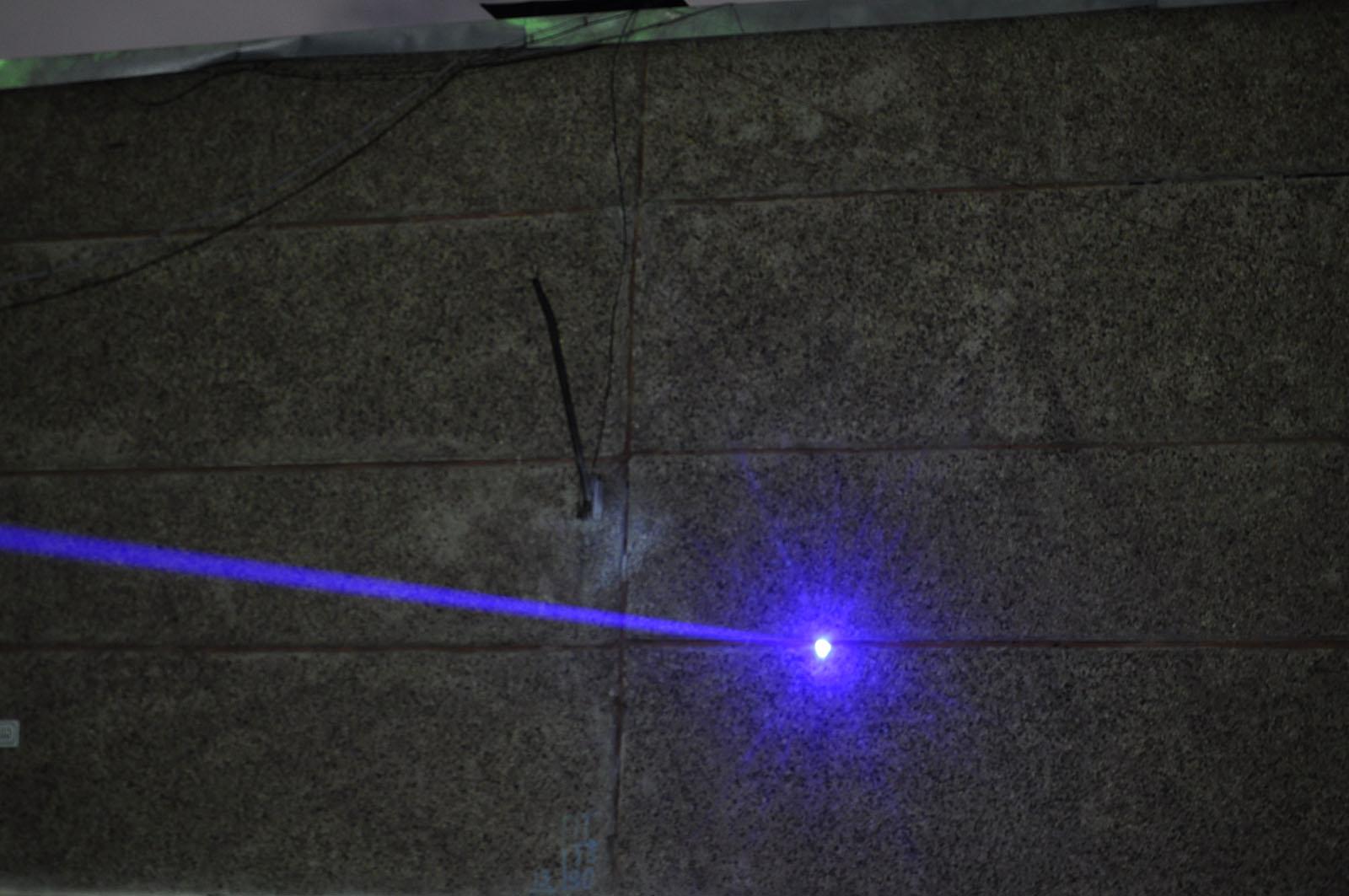 Лазерный «бластер» действующая модель - 20