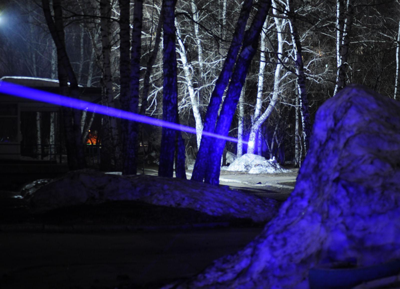 Лазерный «бластер» действующая модель - 21