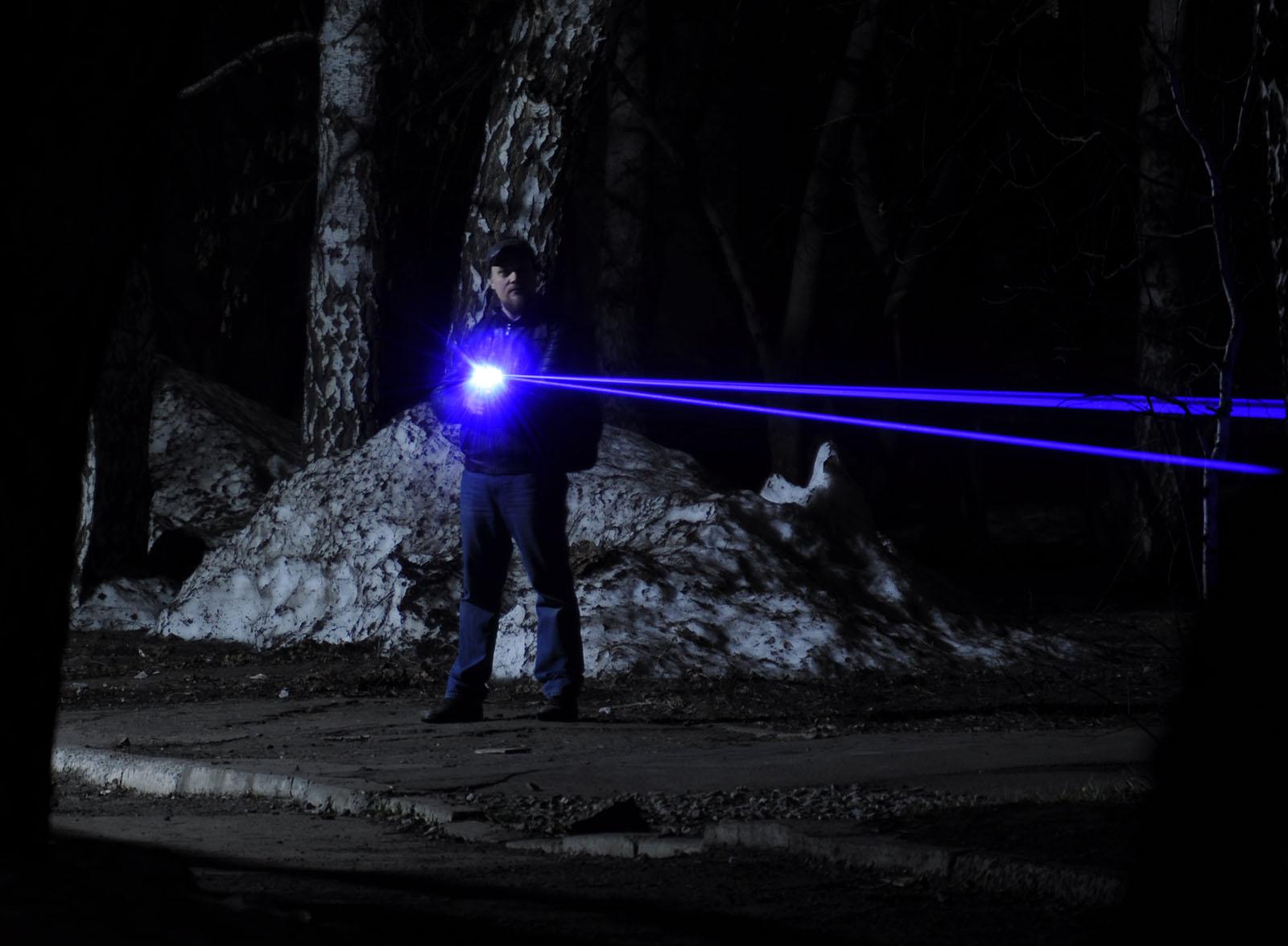 Лазерный «бластер» действующая модель - 22