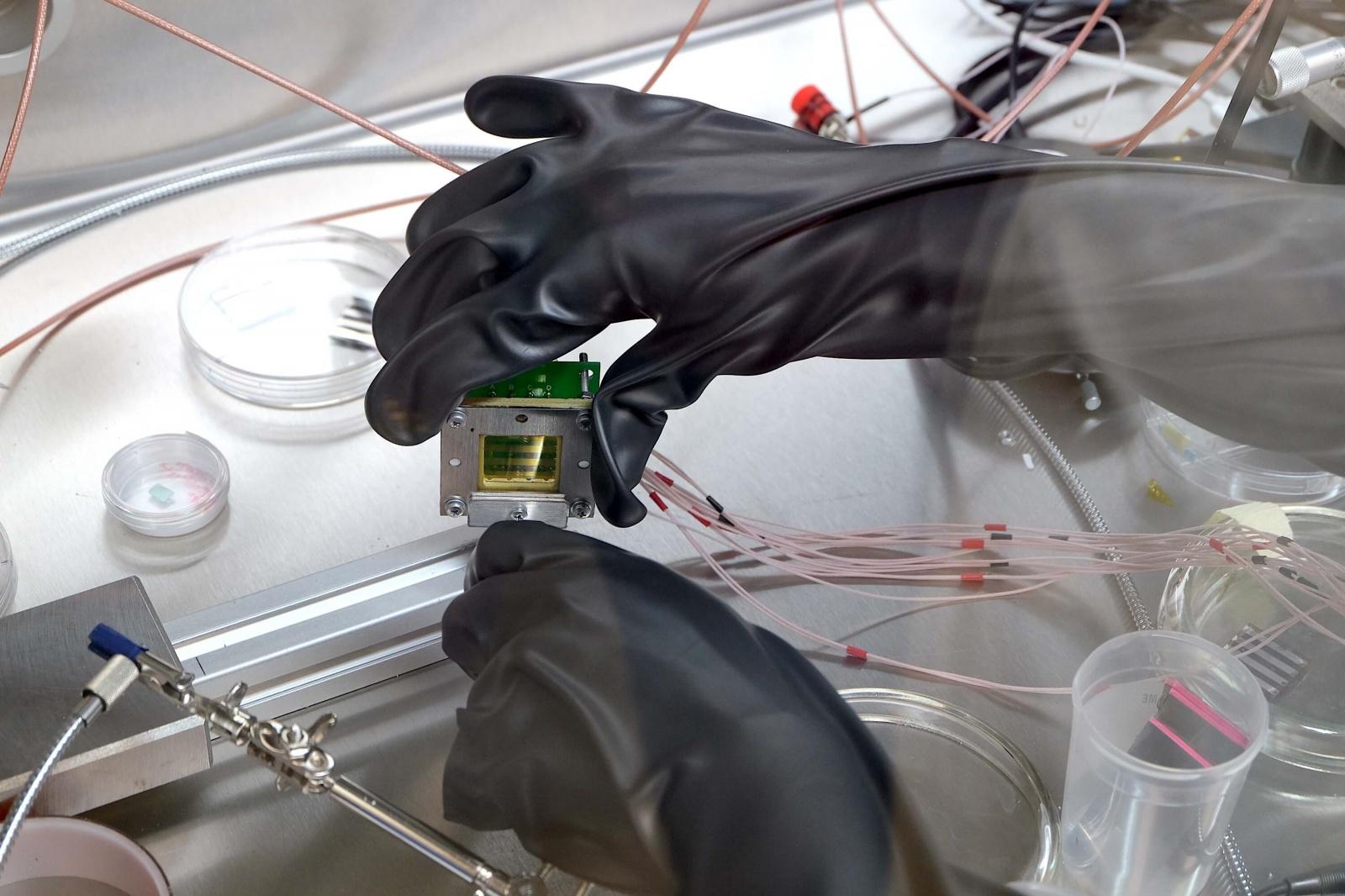 Фотоэкскурсия: что делают в лаборатории гибридной нанофотоники и оптоэлектроники Нового физтеха ИТМО - 16