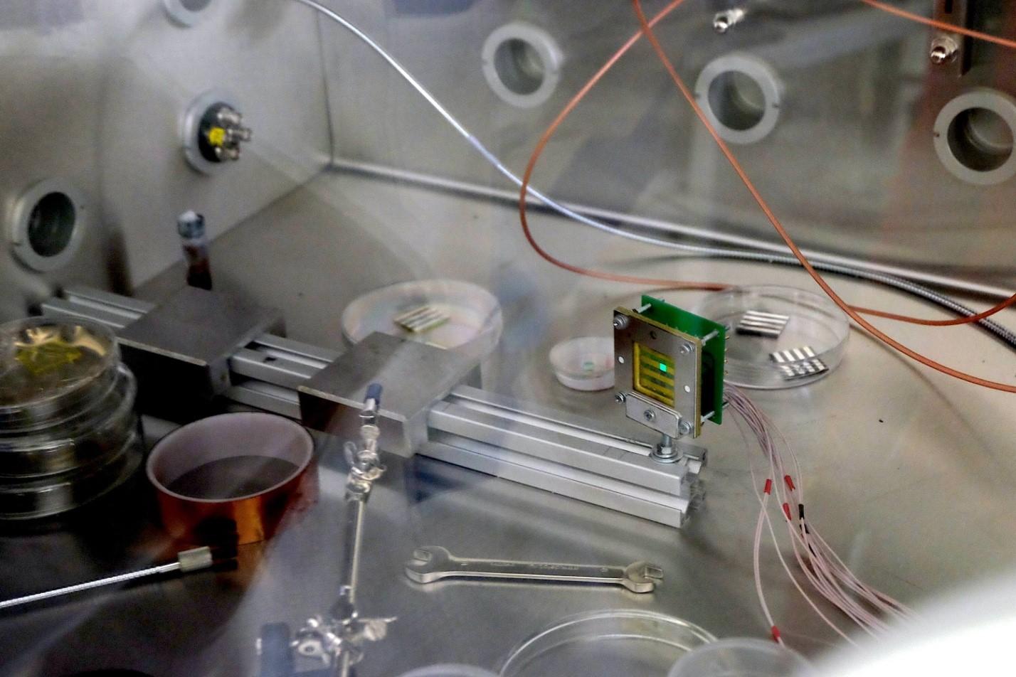 Фотоэкскурсия: что делают в лаборатории гибридной нанофотоники и оптоэлектроники Нового физтеха ИТМО - 17