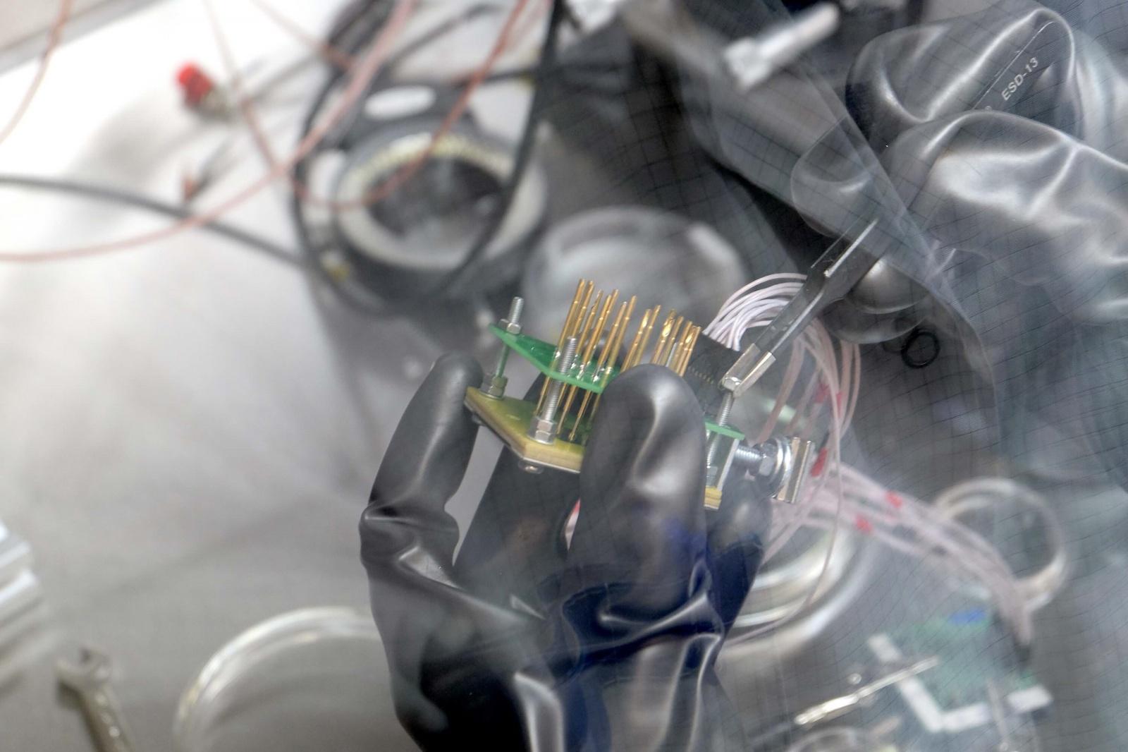 Фотоэкскурсия: что делают в лаборатории гибридной нанофотоники и оптоэлектроники Нового физтеха ИТМО - 18