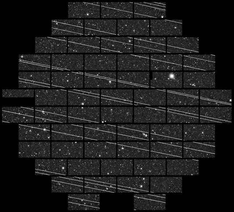 Маск считает, что 12 тысяч спутников не помешают астрономам. Его мнение не согласуется с моделью - 1