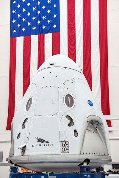 Сбежать от коронавируса в космос. 27 мая состоится первый пилотируемый полёт астронавтов на корабле Crew Dragon