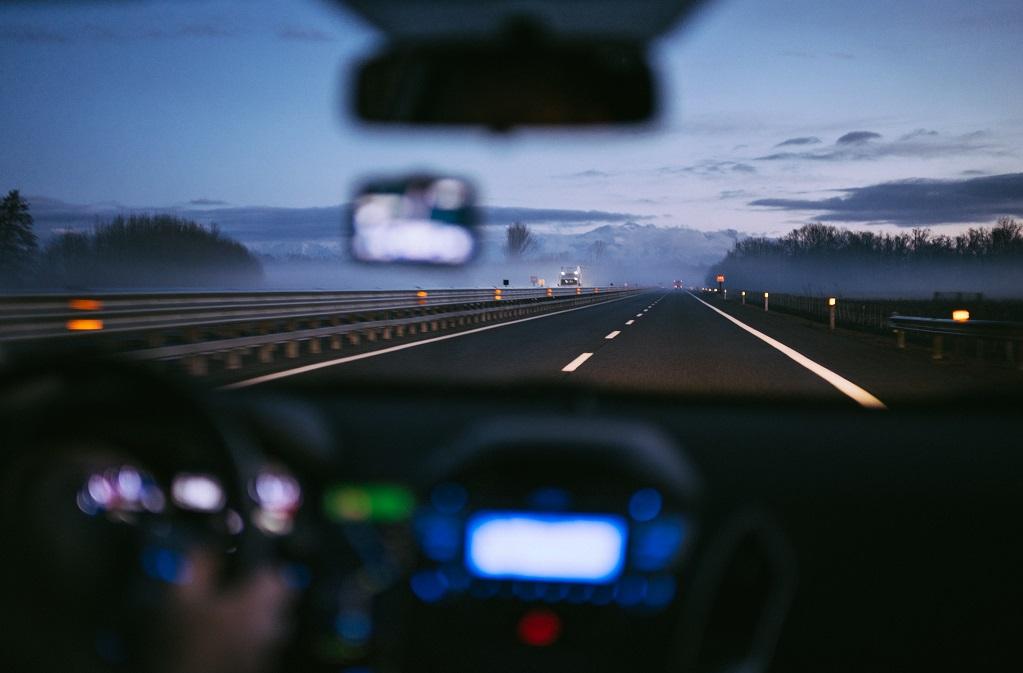 Голосовые помощники помогут водителям не отвлекаться за рулем: на самом деле — не всегда и не всем - 1