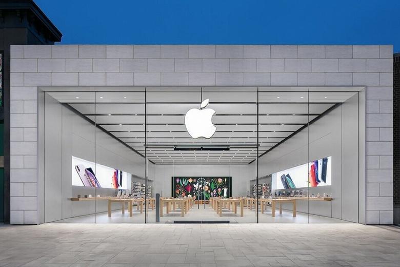 Символ конца пандемии. Apple открывает первый фирменный магазин в Европе с опережением графика