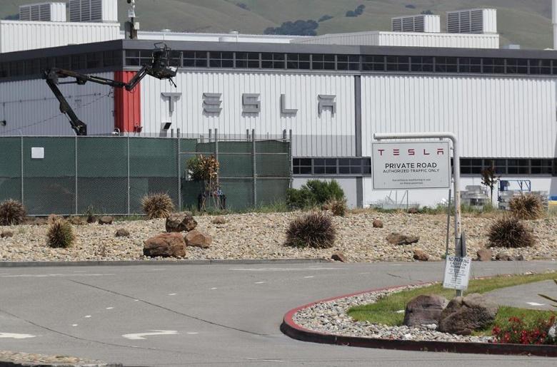 Tesla подает в суд на власти одного из округов Калифорнии и грозит уйти из штата