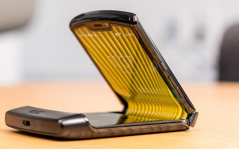 Раскладушка Motorola Razr 2 может выйти уже в сентябре