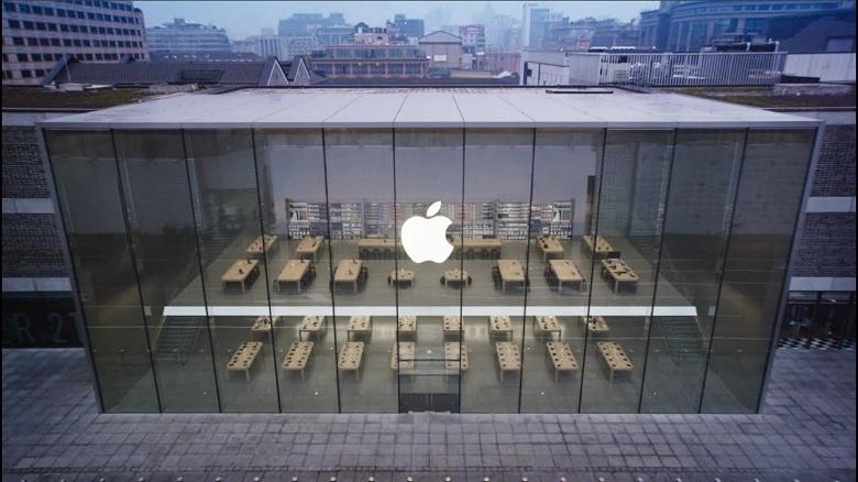 Стоило в Китае открыться фирменным магазинам Apple, как люди бросились покупать iPhone. Продажи в апреле ощутимо выросли