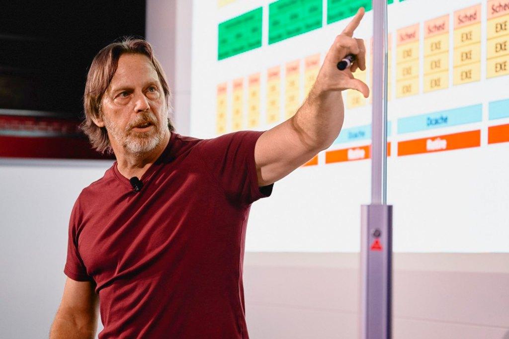 Почему компания «Интел» делает ставку в разработке чипов на гений Джима Келлера? - 1