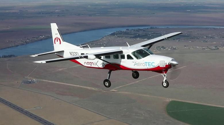 Самый большой электрический самолёт совершил свой первый полёт
