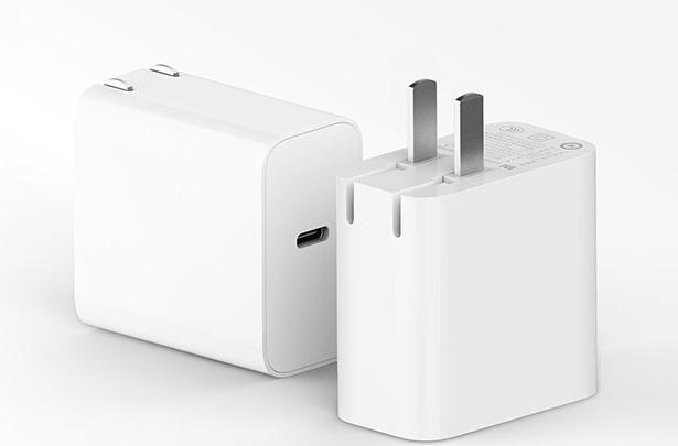65 Вт всего за 14 долларов. Xiaomi представила крошечное быстрое зарядное устройство для смартфонов и ноутбуков