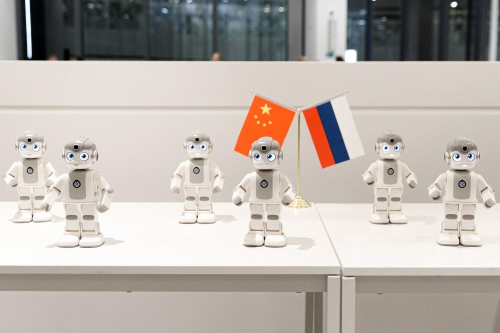 Будущее наступает: китайские роботы приехали в Россию - 25