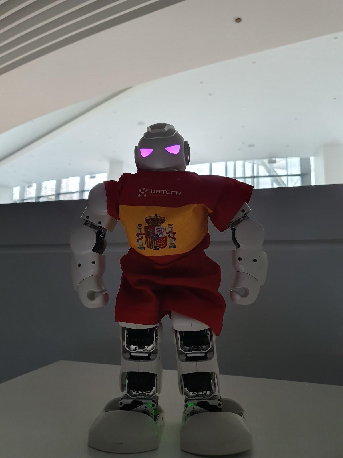 Будущее наступает: китайские роботы приехали в Россию - 26