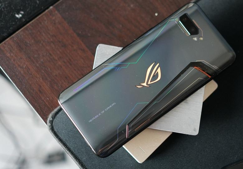 Возможно, самый мощный смартфон на Snapdragon 865 засветился с огромным аккумулятором. Asus ROG Phone 3 будет похож на текущее поколение