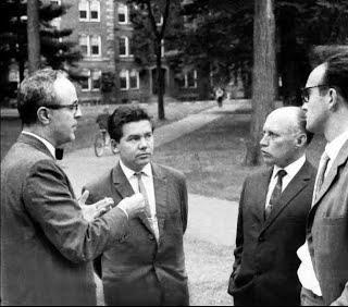 Владимир Китов: «Невозможно понять, как ученые-первопроходцы предвидели всеобщую компьютеризацию еще в 1950-х!» - 12