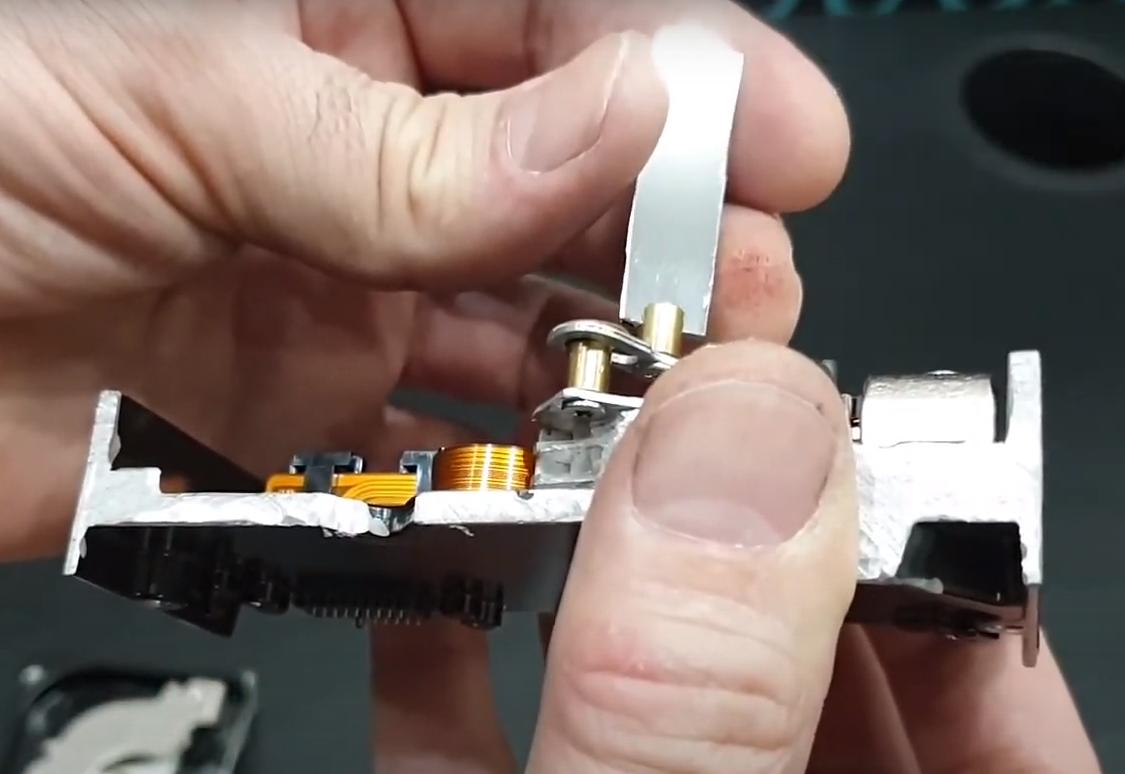 Первая попытка собрать лазерный проектор из жестких дисков - 6