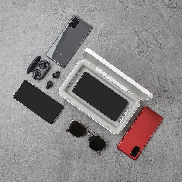 Новый продукт Samsung продезинфицирует ваш смартфон, заодно зарядив его. Футляр UV Sterilizer стоит 50 долларов