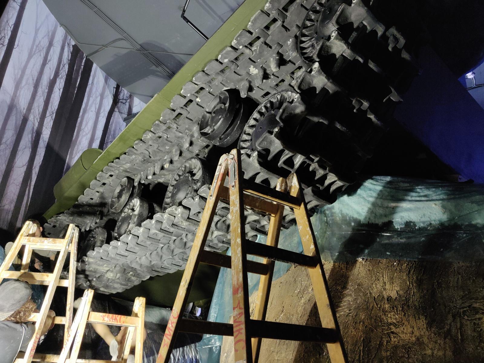 Музейный комплекс «Зоя»: танк под обстрелом проекторов и другие технические нюансы - 1