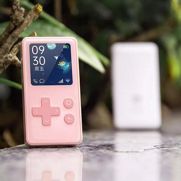 На платформе Xiaomi появился детский мобильный телефон Qin AI Life, похожий на Game Boy