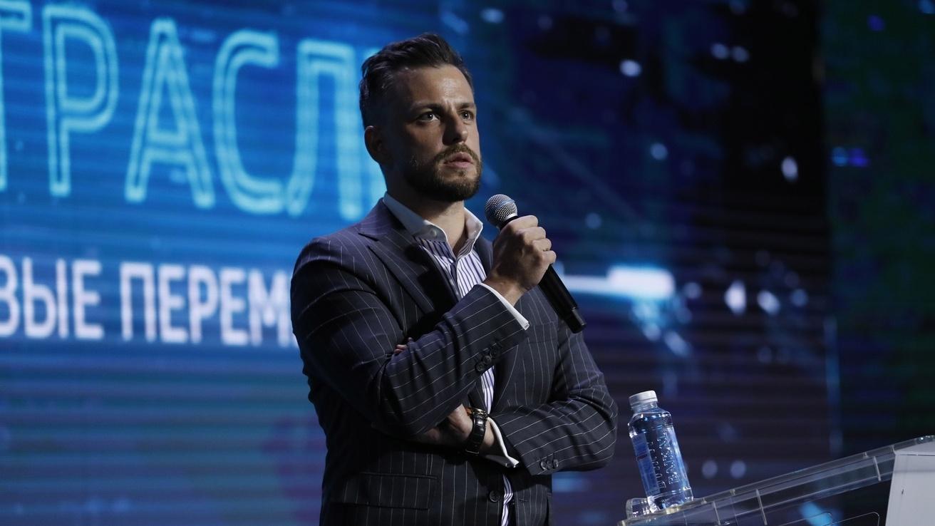 Илья Сачков, фото с сайта government.ru